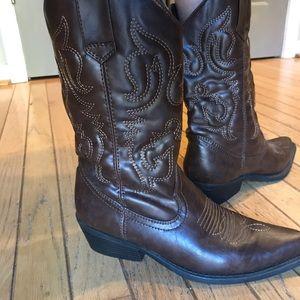 Madden Girl brown Cowboy Boots, Sanguine, 6M